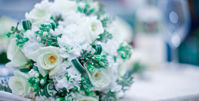 White + green bouquet from Gardenia Organic
